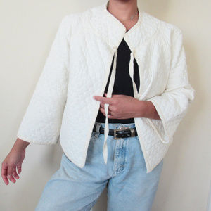VINTAGE White Cotton Quilted House Jacket Cropped